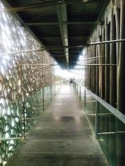 A passage inside MUCEM. Un pasillo adentro de MUCEM.
